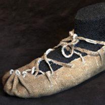 biblioteca-historia-historia-trozo-5-primeras-evidencias-calzado